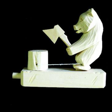 Медведь дровосек с топором Богородская игрушка 5608
